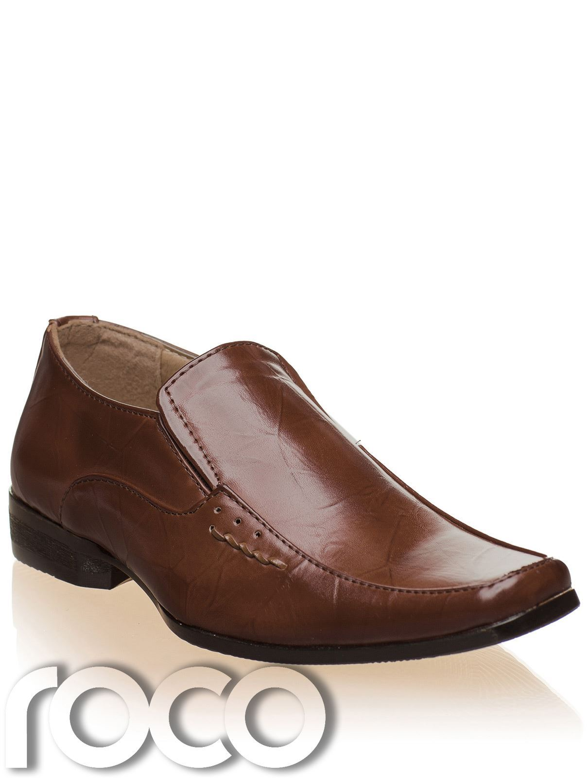 There's something sophisticated about oxford shoes, even more so when women wear it. These may be considered formal wear for men but give it a little twist and you will see oxfords in a totally different light.