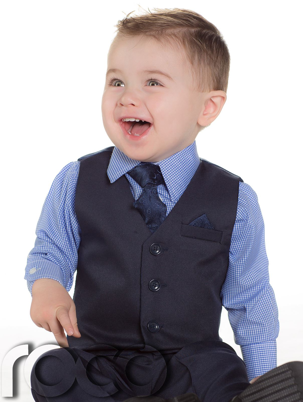 Celebrate special occasions with beautiful baby dress clothes from Sears. When there's a special event around the corner, the whole family can look their best while making memories that will last forever with new baby dress clothes for the little ones.