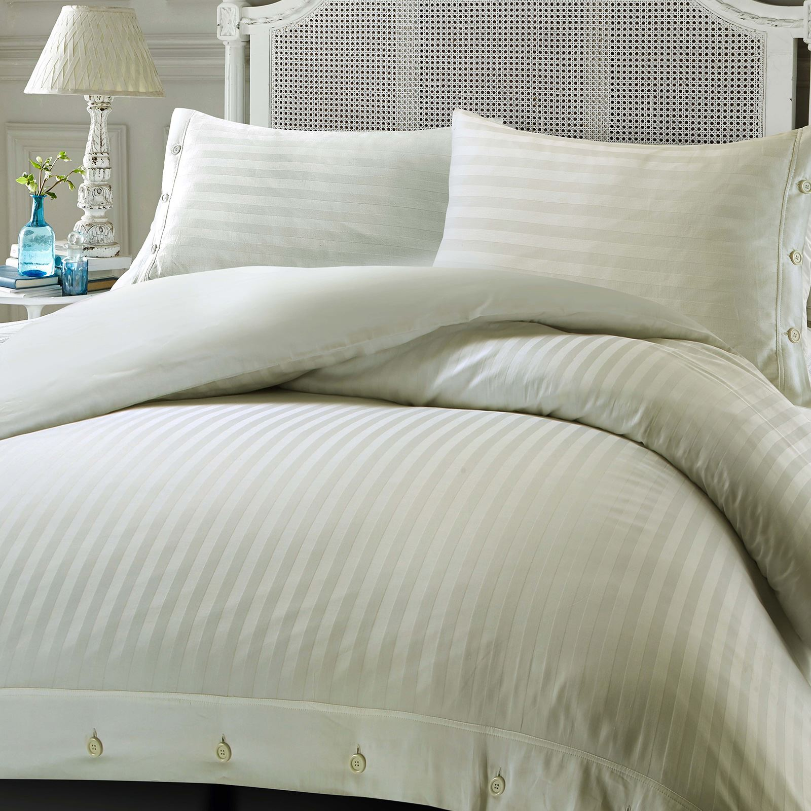 The Kassatex Greek Key Duvet Cover is a truly beautiful bed rendered in premier-quality cotton for exceptional softness and luxury. Featuring a charcoal Greek Key embroidery framing the crisp white ground, the duvet will brighten any space.