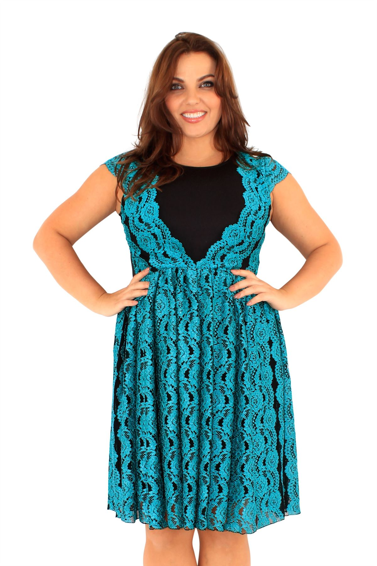 Browse Dillard's slimming selection of plus size women's dresses, tops, pants and swim.