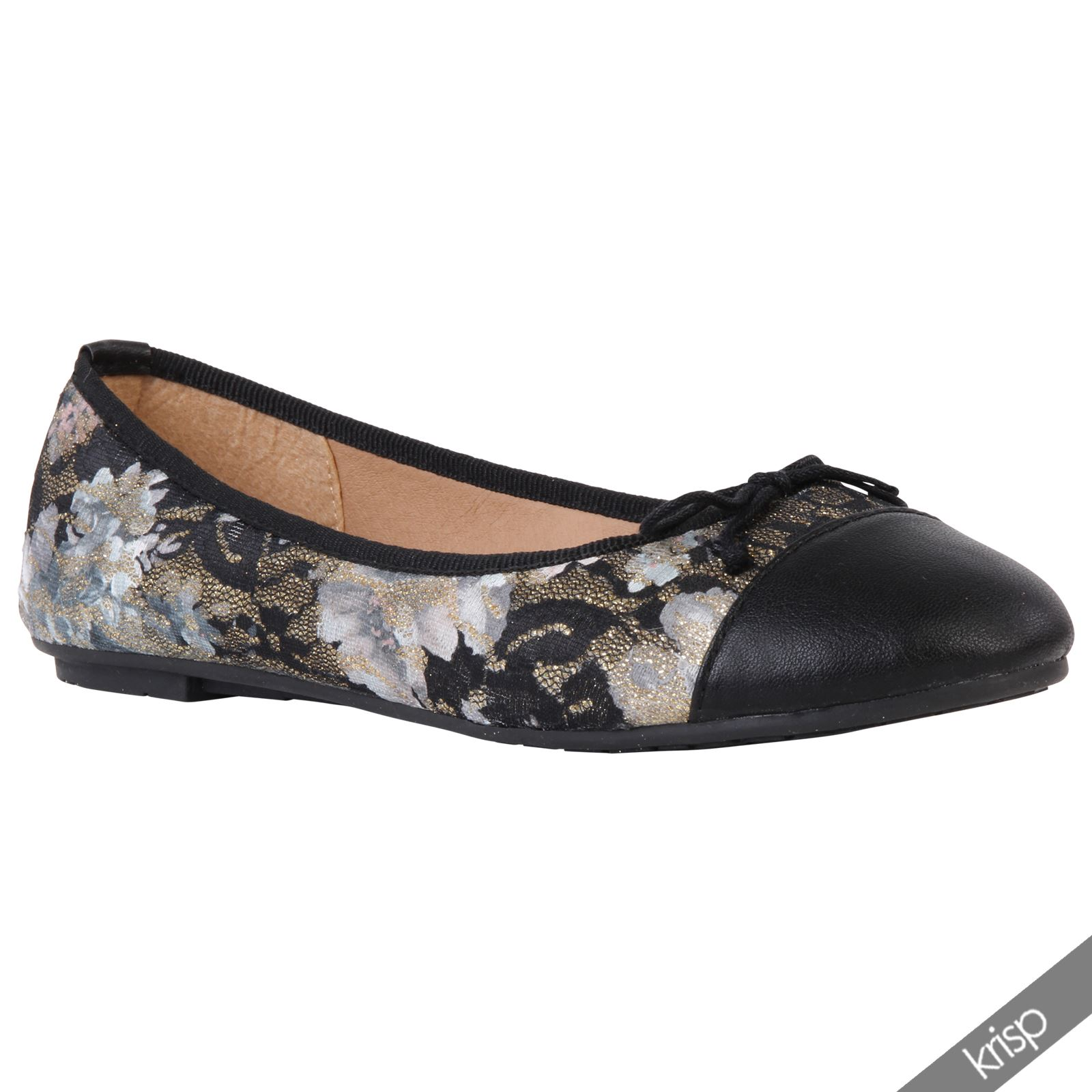 Girls' Flats Shoes Payless has the flats for girls that you're looking for with the best prices on kids' shoes everyday. Sort By: Best Matches Price Low To High .