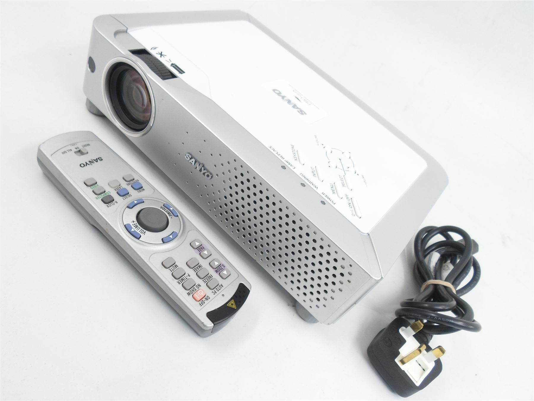 sanyo pro xtrax plc xe30 lcd projector with remote 8467840537523 ebay. Black Bedroom Furniture Sets. Home Design Ideas