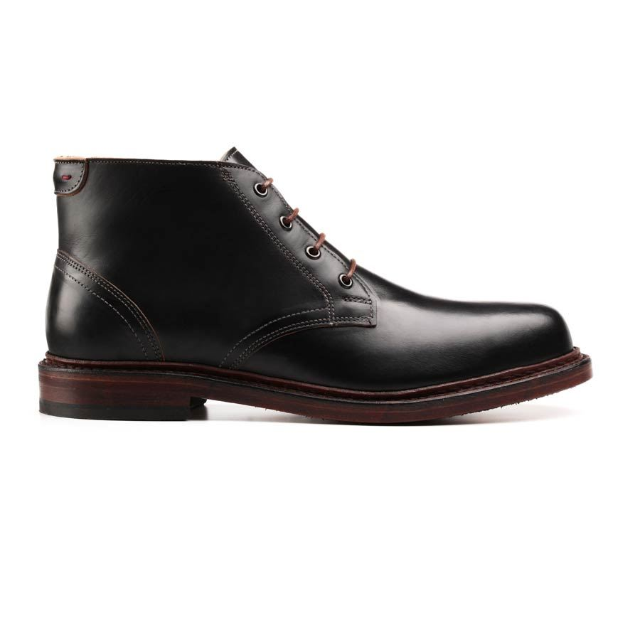 Allen Edmonds E Park Avenue men's lace-up oxford dress shoes features a