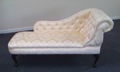 Chaise longue in a luxurious cream damask fabric new ebay for Black damask chaise longue