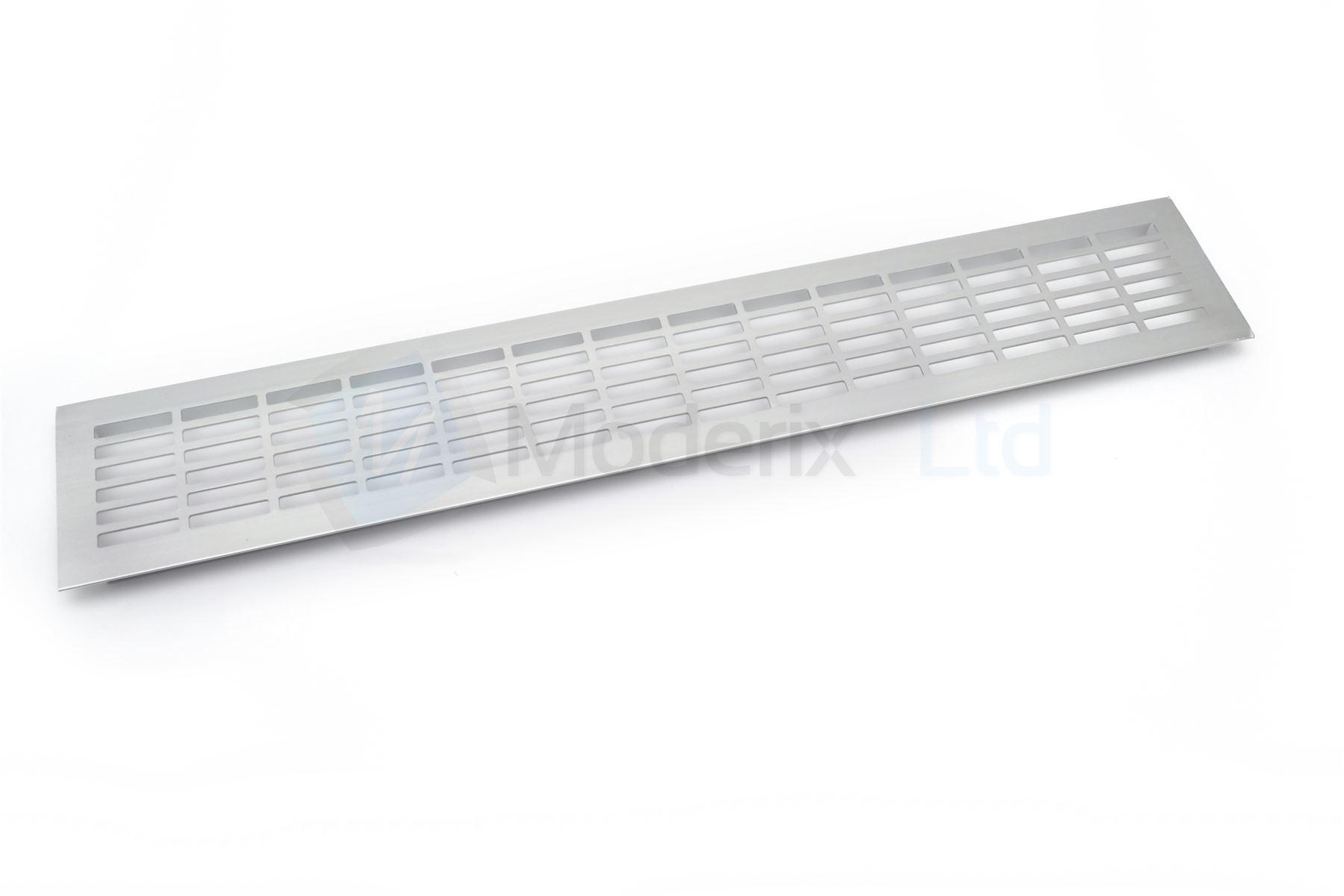 Plinthe cuisine grille ventilation aluminium plan de for Plan de travail cuisine resistant chaleur