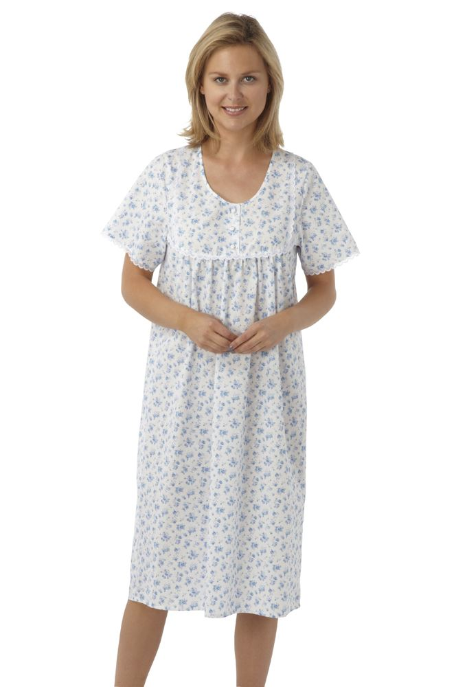 View our lovely range of nighties. Designed to provide a relaxed, comfortable fit, our nighties are available in a choice of styles and sizes, promising something for everyone. From classically-styled bedshirts, to soft, oversized cotton t-shirts.