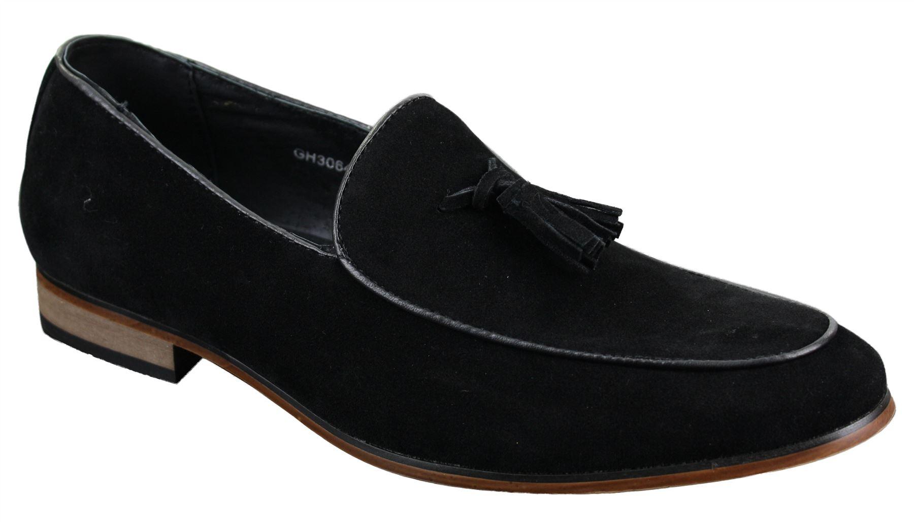 Homme chaussure en daim chic et l gante avec ses - Laver chaussure en daim ...