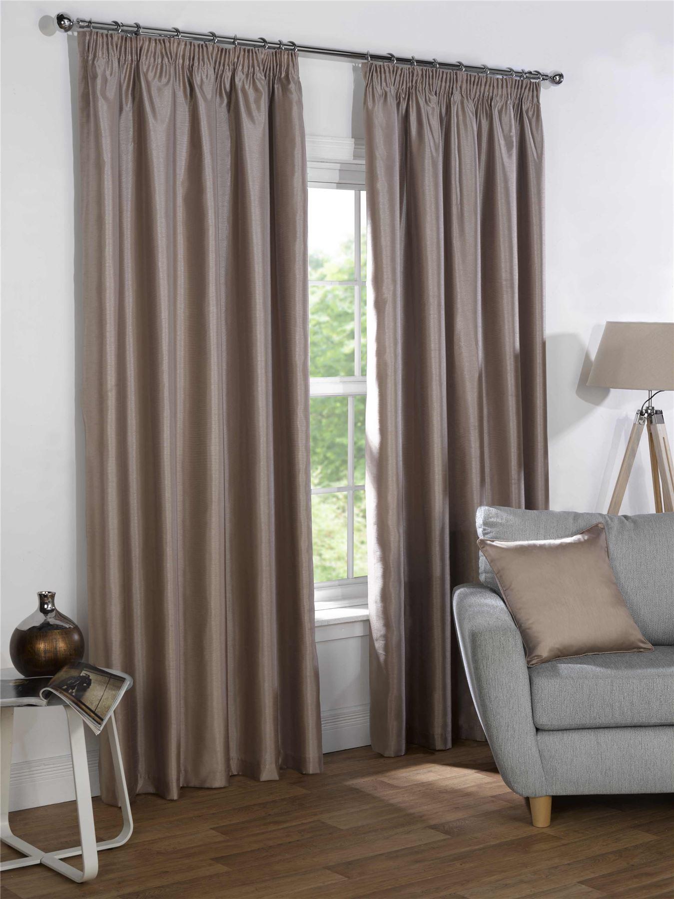 taupe beige kunstseide blackout gardinen bleistiftfalten. Black Bedroom Furniture Sets. Home Design Ideas