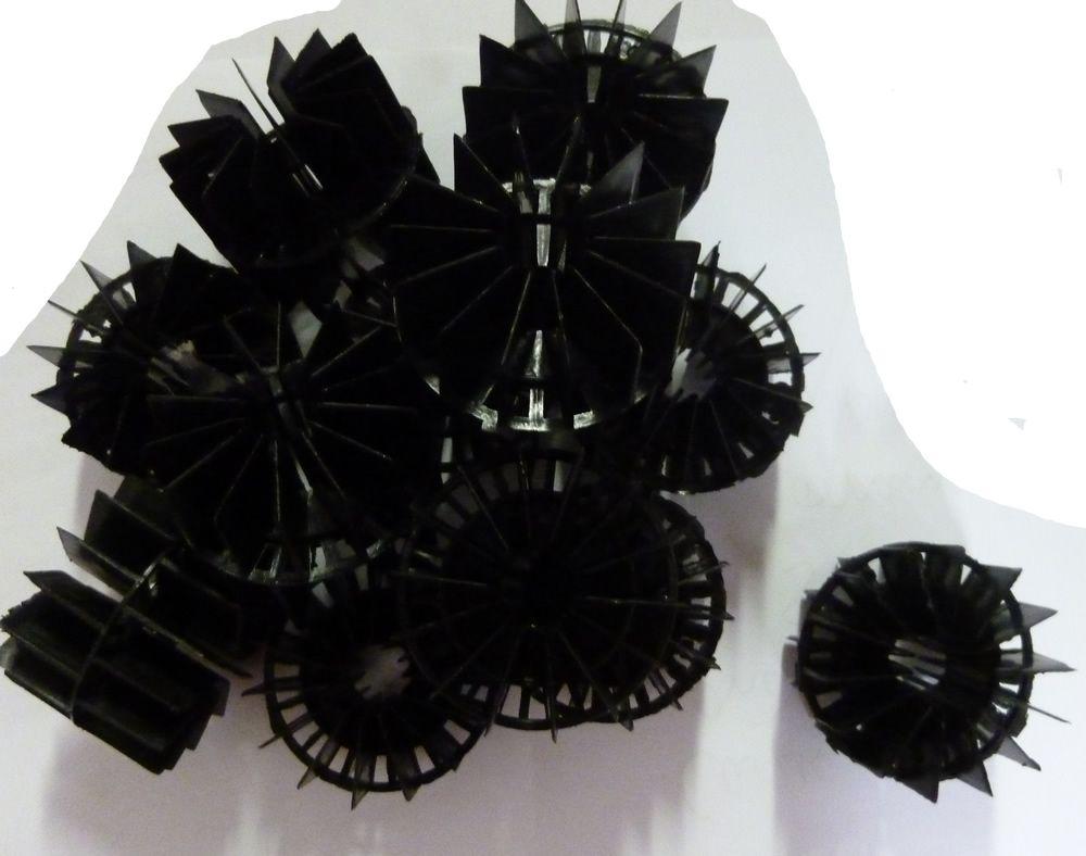 Pond filter media plastic bio balls koi fish tank bermuda for Plastic koi fish