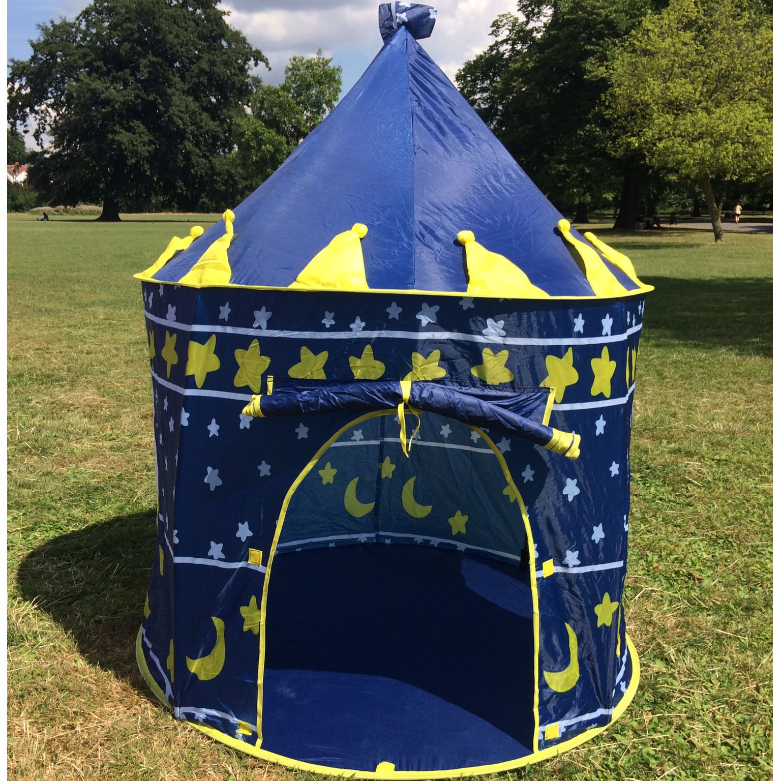 childrens kids pop up play tent castle pink blue playhouse outdoor and indoor. Black Bedroom Furniture Sets. Home Design Ideas