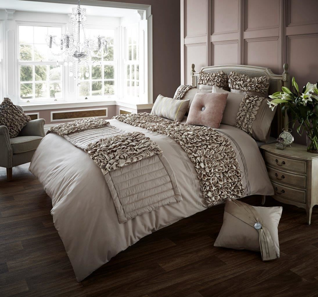 Verina Bed Runner Luxurious Quality Softness, Smoothness Long Lasting Durability