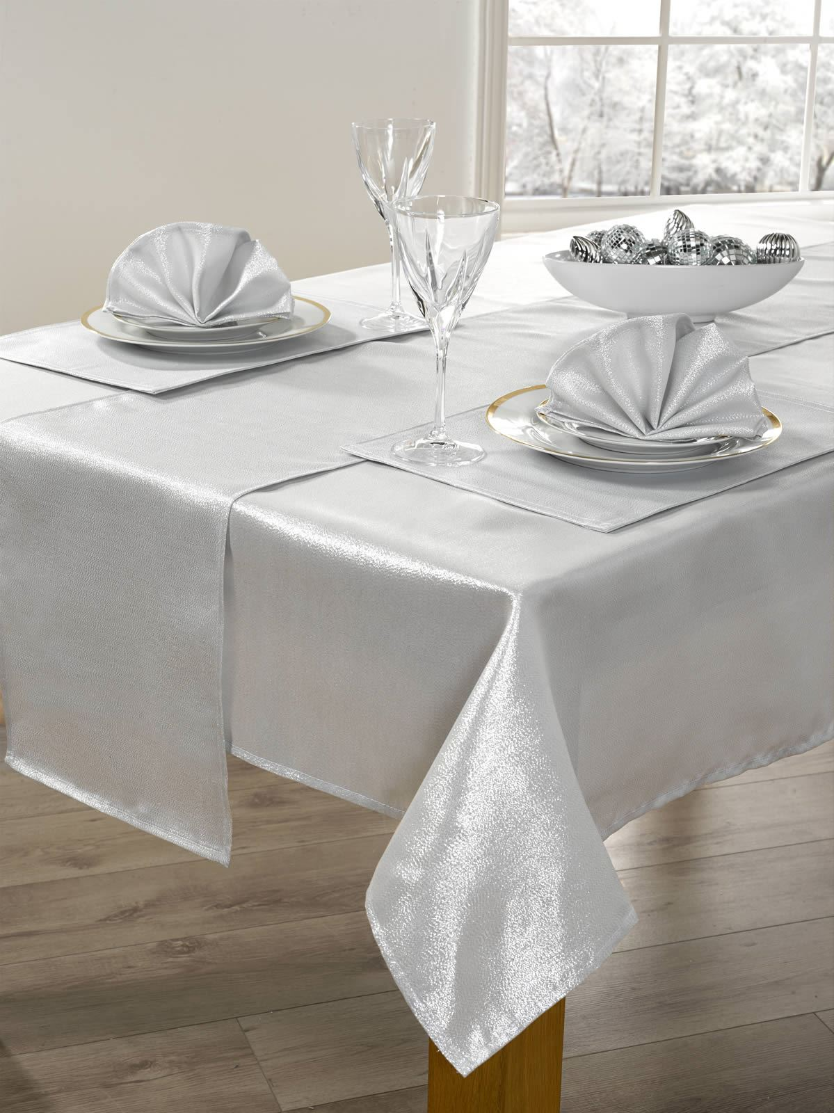 14 PIECE CHRISTMAS TABLE CLOTH LINEN SET NAPKINS RUNNER ...