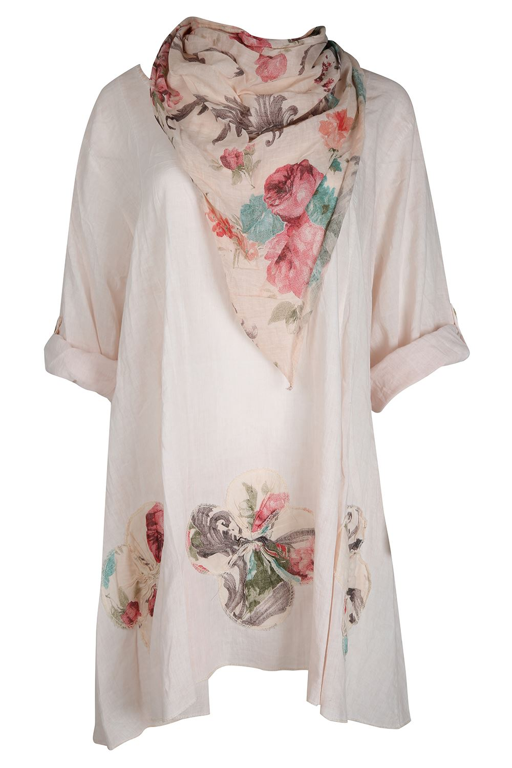 At Cotton Traders we provide a wide range of women's tops, from a fantastic choice of casual off-duty options to more formal blouses and smart tops. Whether you choose striped, printed or plain – all our tops and t-shirts for women are comfortable, practical, and available in a range of sizes.