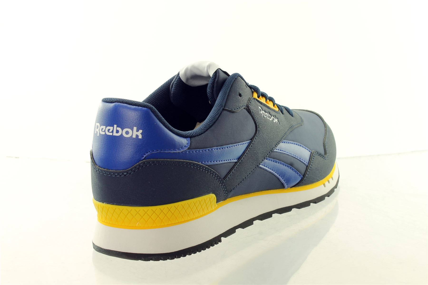 844f063f919a49 reebok classic trainers mens for sale cheap   OFF37% The Largest ...
