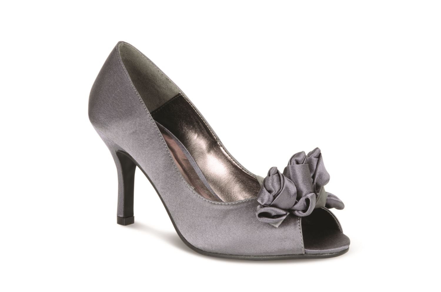 Women's Heels: High Heels & Pumps Shoes A woman can never have too many high heels. Choose from a wide selection of colors, classic nude and black heels, outrageous red .