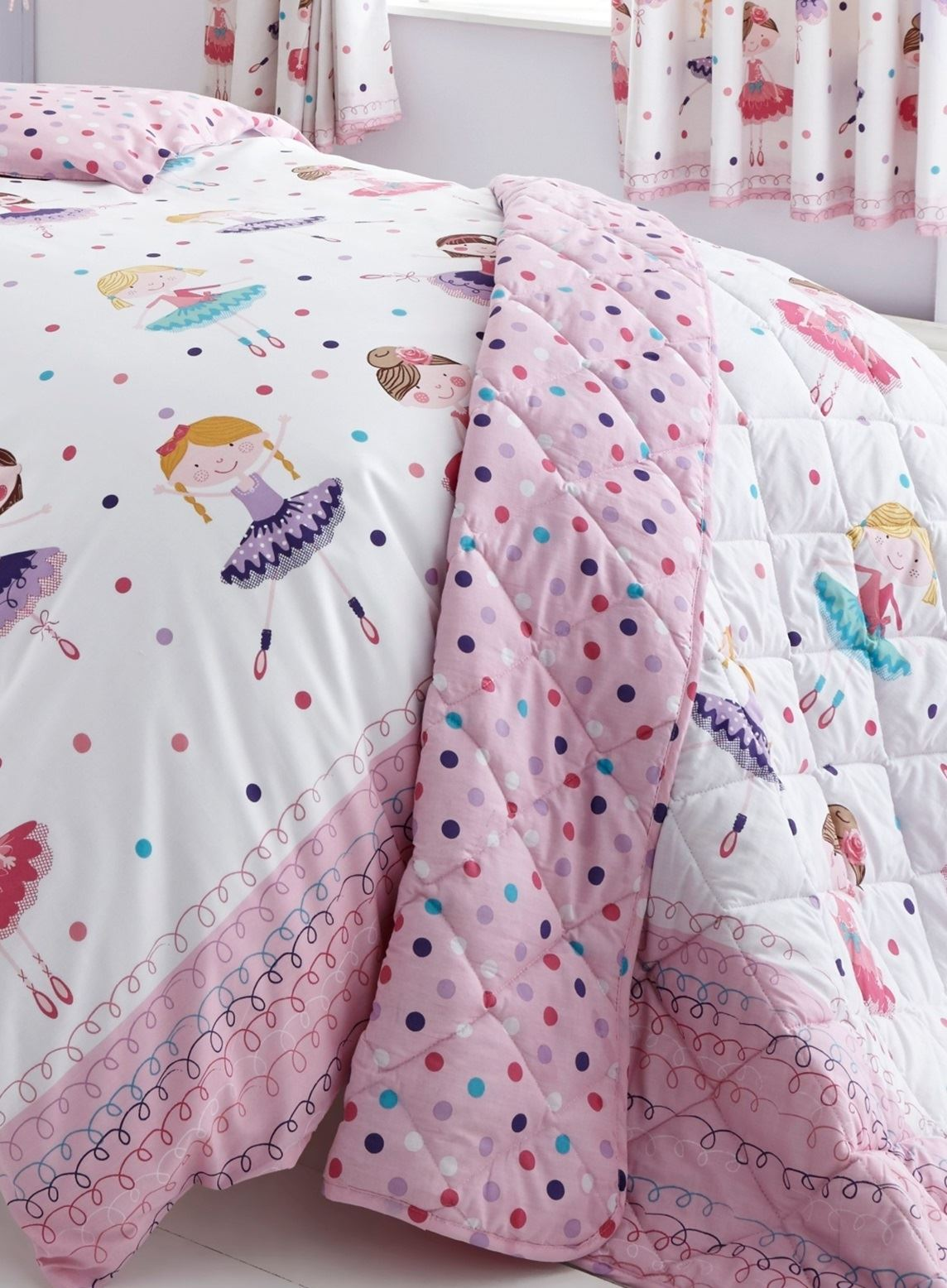 copripiumino e tende uguali: arredamento e bricolage gt letto ... - Copripiumino Bianco E Rosa