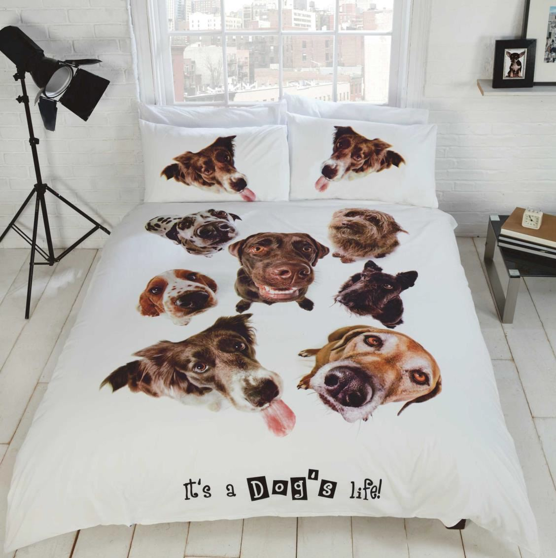 Pug dog quilt duvet cover or cushion cover bedding bed for Housse de couette animaux