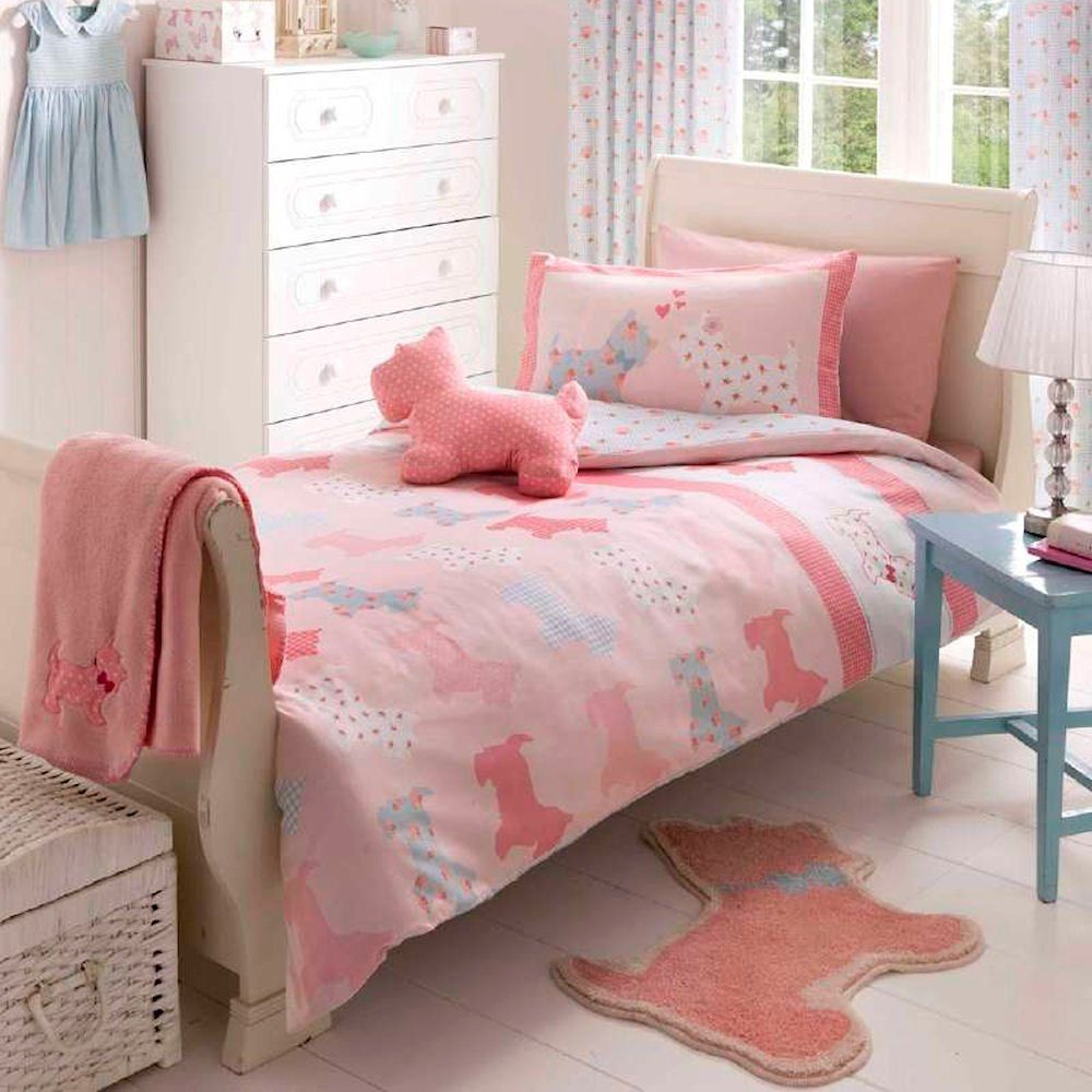 Infuse a cosy feel with luxurious bedding options. Bed linen & bed sets in delightful colourways & prints. Next day delivery & free returns available.