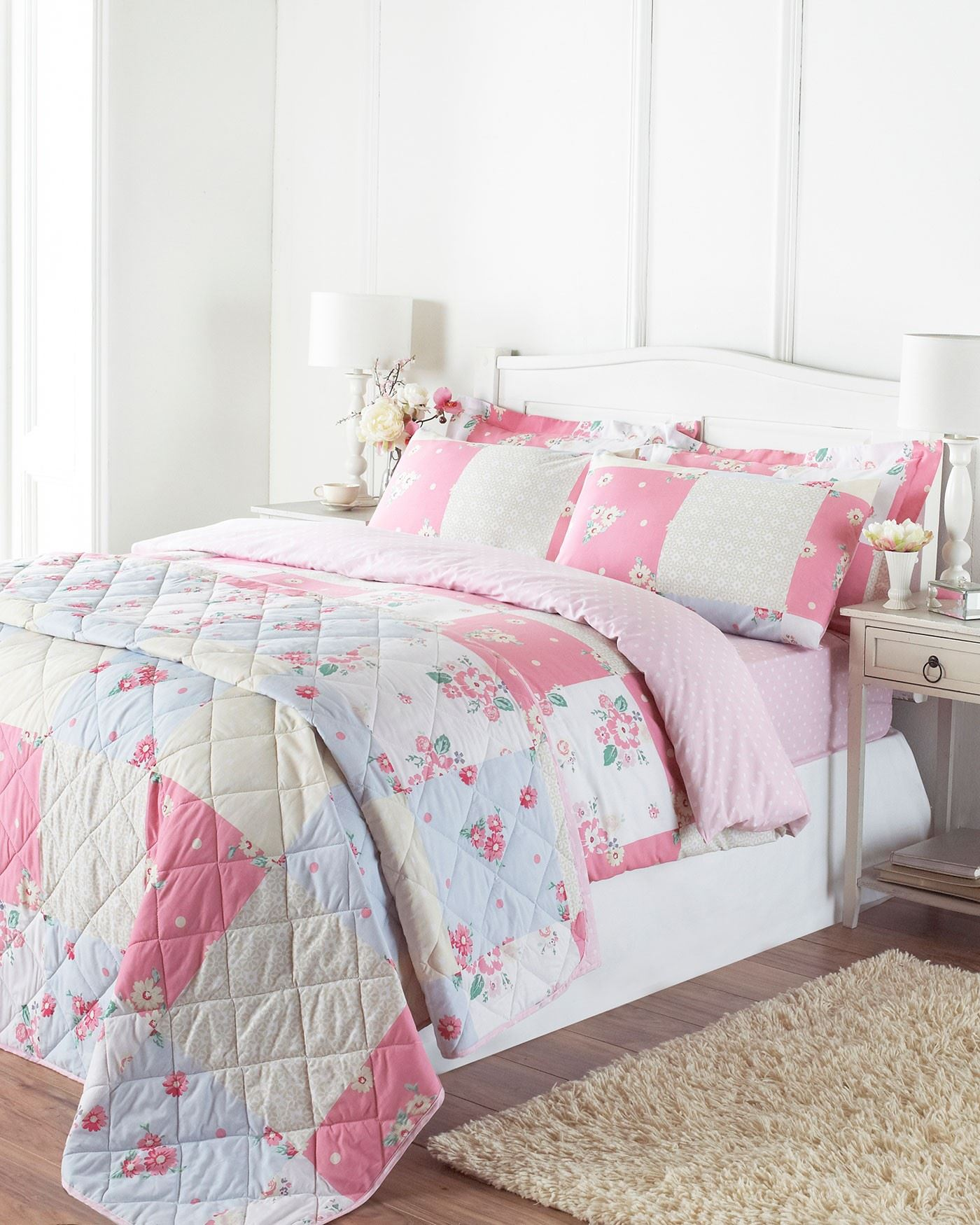 Overstock uses cookies to ensure you get the best experience on our site. If you continue on our site, you consent to the use of such cookies. Learn more. OK Pure Melody Lightweight Classic Paisley Printed 3-piece Quilt Set by Southshore Fine Linens. 78 Reviews.