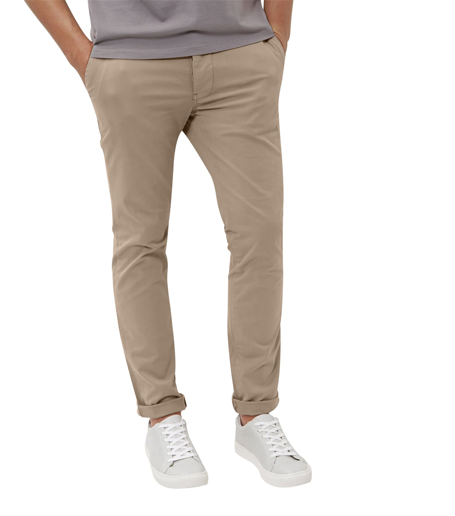 Mens Chinos Show More A great alternative to the everyday pair of jeans, New Look's line of men's chinos are the perfect bridge between smart work trousers and casual after-hours outfit.