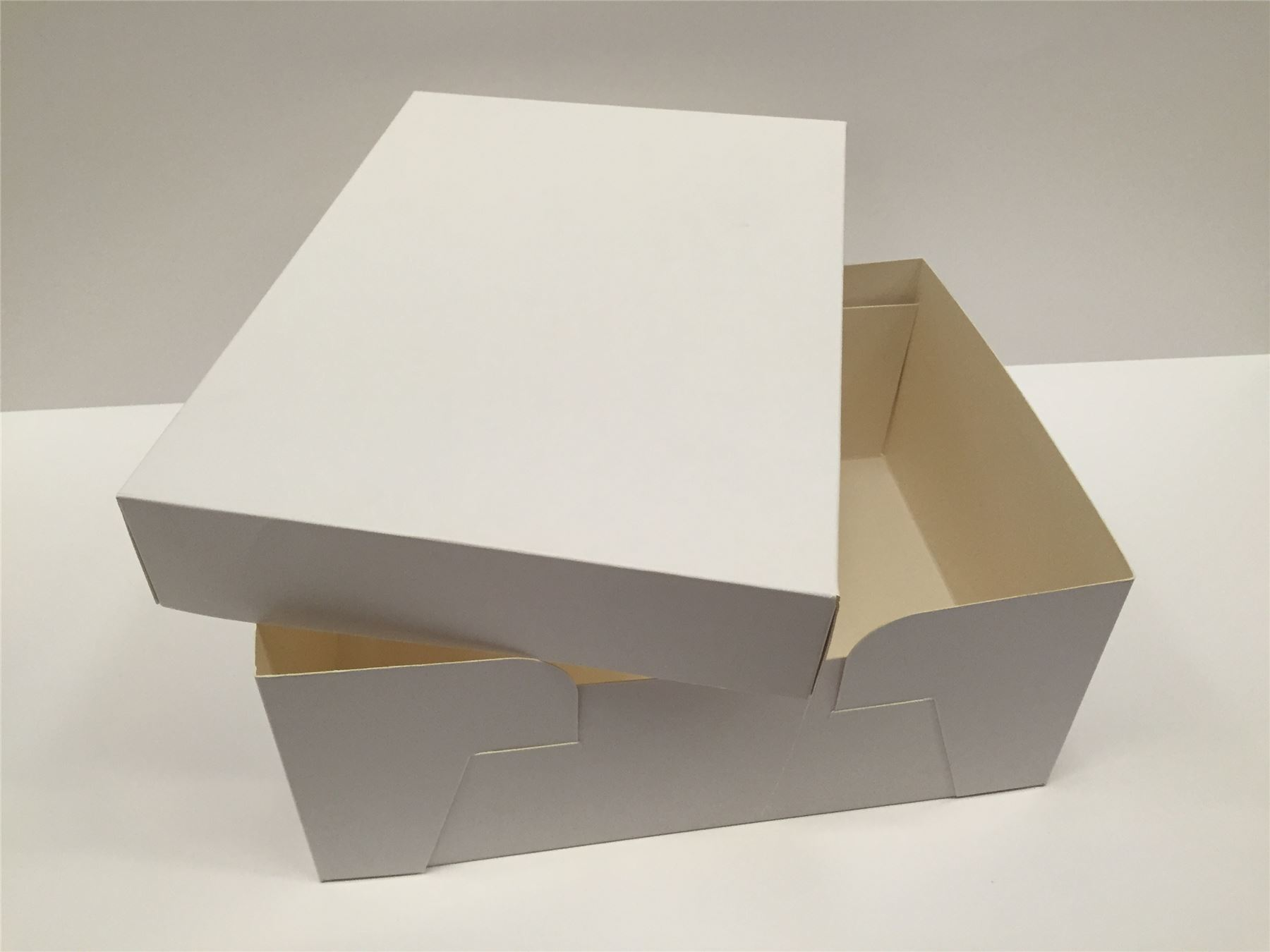 how to make a box cake with a lid