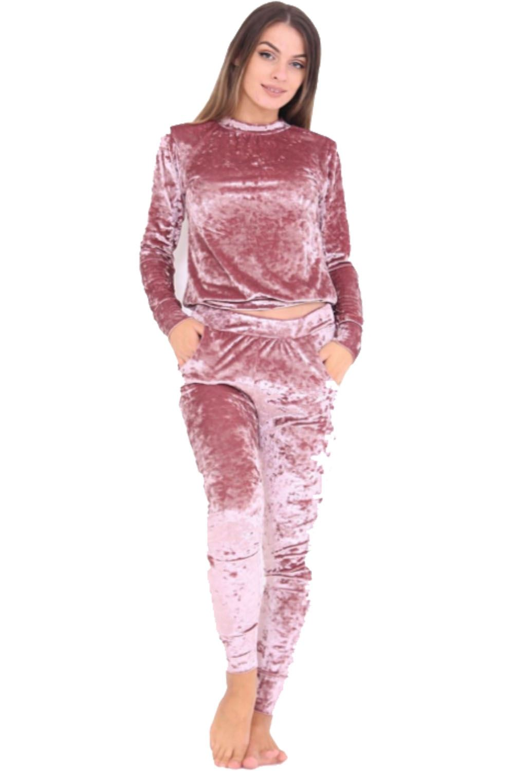 Perfect Jogger Suits For Women With Amazing Type | Sobatapk.com