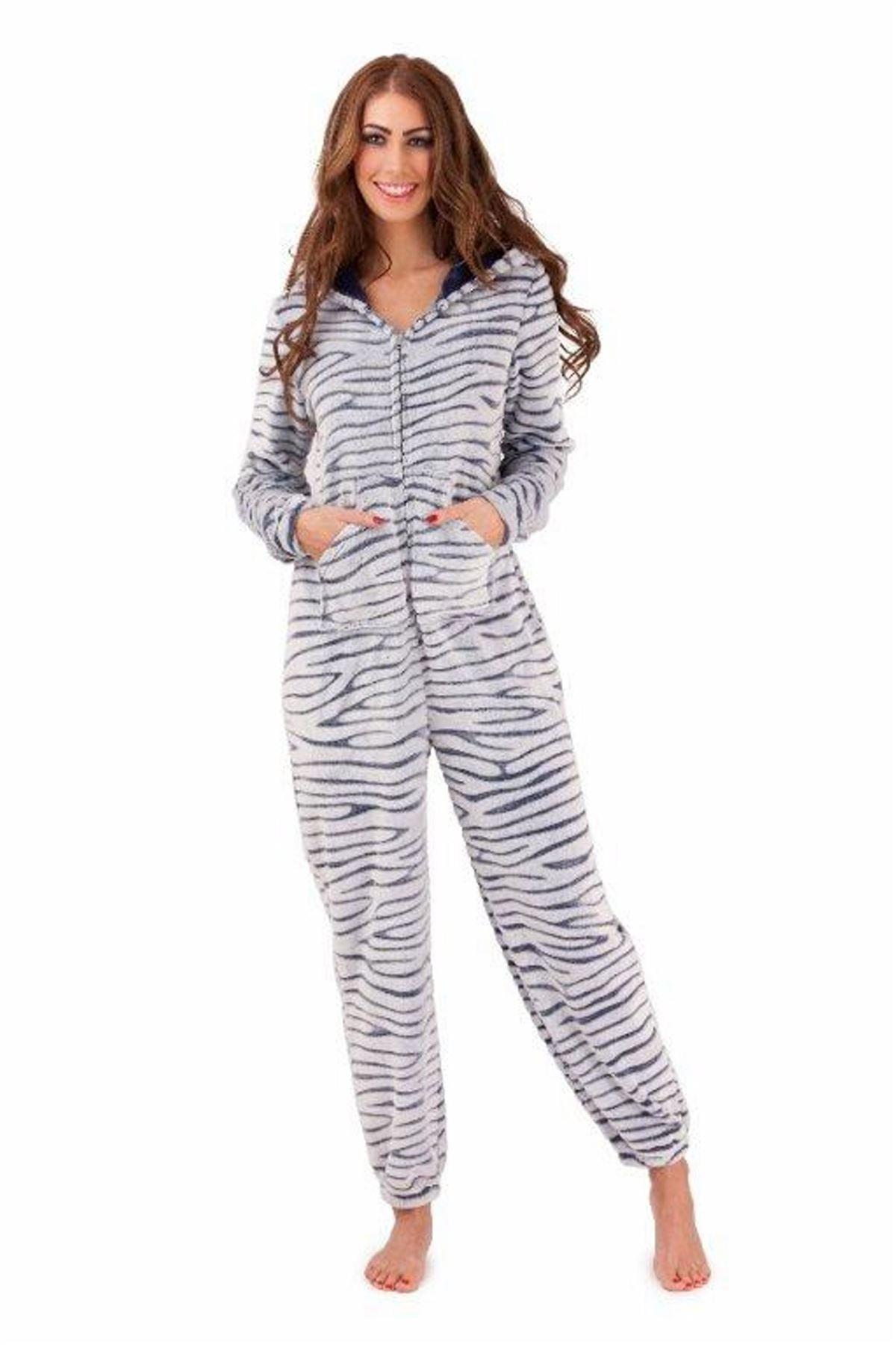 pyjama femme combinaison ultra douce une pi ce capuche 8. Black Bedroom Furniture Sets. Home Design Ideas