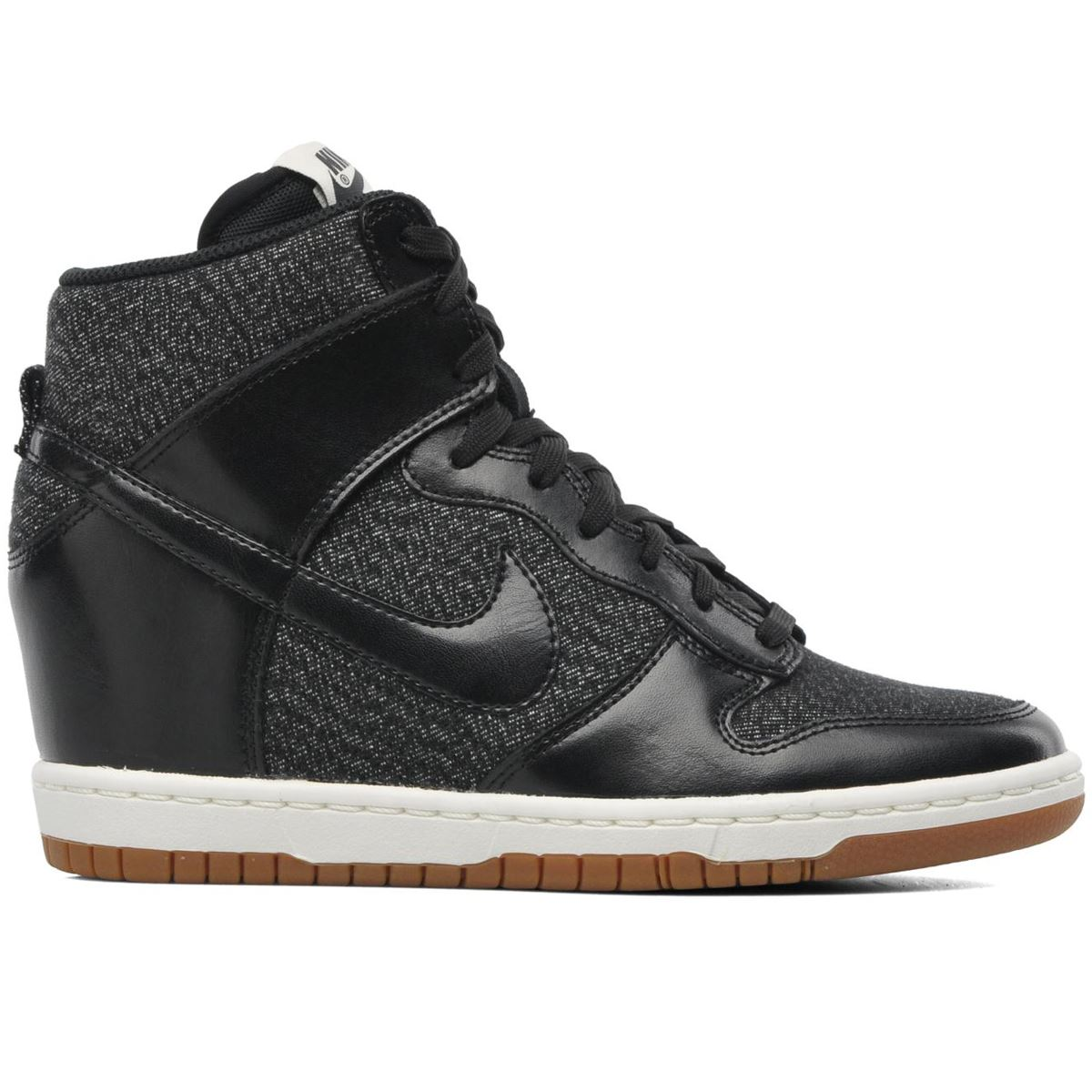 detailed look 2c56d bb4ba nike dunk sky hi essential black