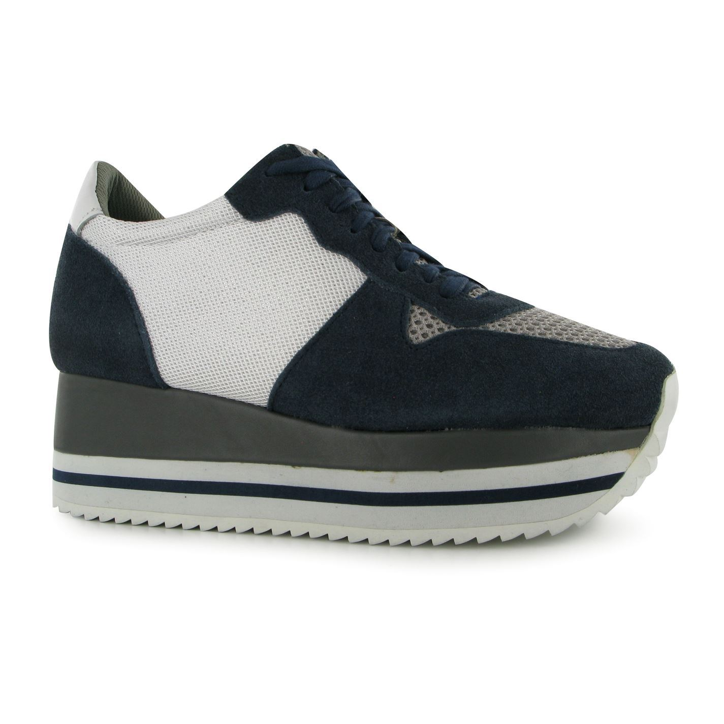 Trainers shoes traduzione