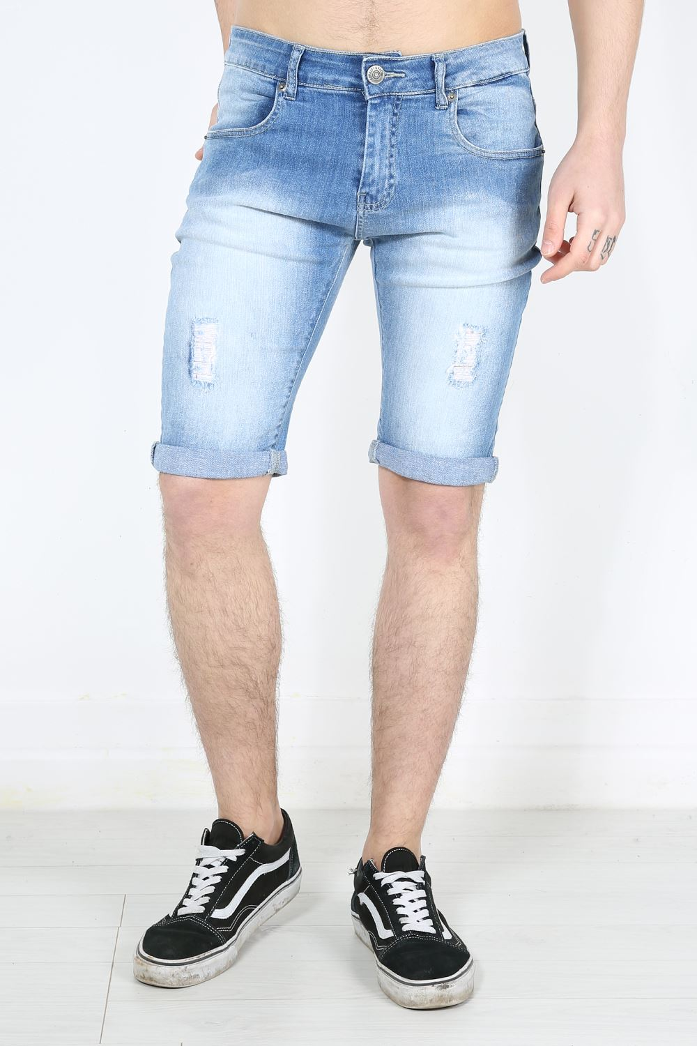 Express offers a variety of men's shorts! Shop our collection of slim shorts, cargo shorts, drawstring and jean shorts for men. Skip to Main Content Skip to Skinny Jeans Slim Jeans Slim Straight Jeans.